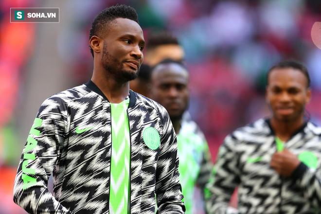 Vừa rời World Cup trong đau đớn, sao Nigeria đã phải bỏ tiền chuộc cha - Ảnh 1.