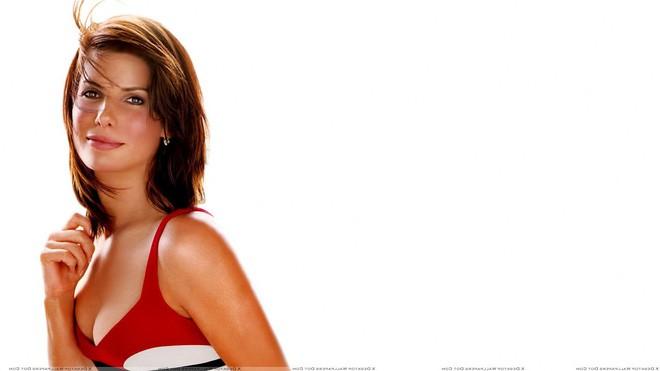 Mỹ nhân đẹp nhất thế giới Sandra Bullock: Cú sốc bị lạm dụng tình dục và nỗi đau của người đàn bà bị chồng phản bội - Ảnh 1.