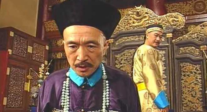 Sao Tể tướng Lưu gù sau 2 thập kỷ: Người tận hưởng hạnh phúc đến muộn với vợ trẻ, kẻ điêu đứng vì quý tử hư hỏng - Ảnh 1.
