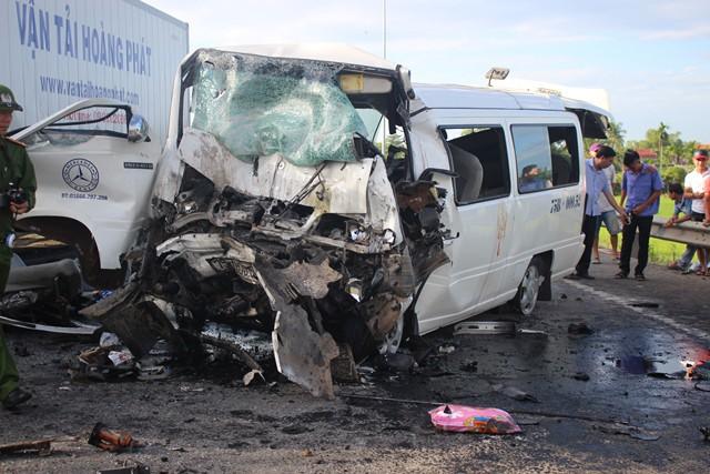 Hiện trường kinh hoàng vụ tai nạn khiến chú rể và 12 người đi rước dâu tử vong ở Quảng Nam - Ảnh 4.