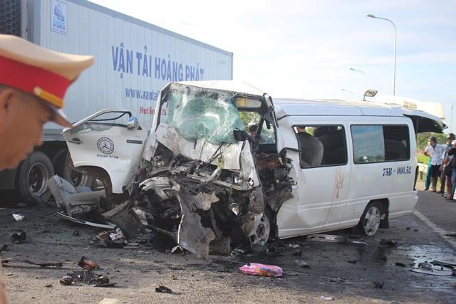 Bộ trưởng Nguyễn Văn Thể nói về vụ tai nạn thảm khốc: Tài xế xe khách có thể đã ngủ gật - Ảnh 3.