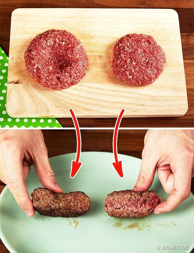 Cứ áp dụng những mẹo nấu nướng do các đầu bếp nhà hàng tiết lộ này, việc vào bếp với chị em dễ như trở bàn tay - Ảnh 1.