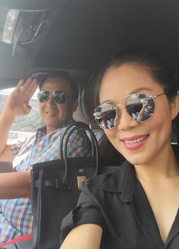 """Khác xa chồng, vợ Quyền Linh là dân chơi"""" hàng hiệu máu mặt - Ảnh 14."""