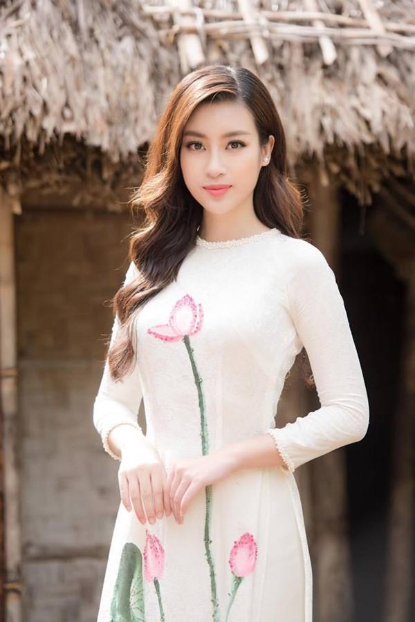 3 cô gái xinh đẹp của Top 3 Hoa hậu Việt Nam 2016 giờ ra sao? - Ảnh 1.