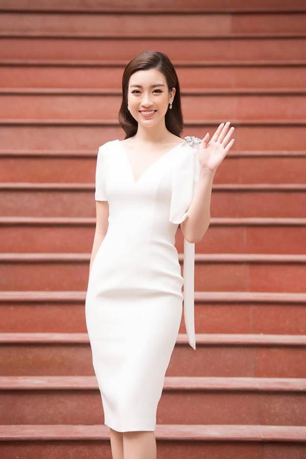 3 cô gái xinh đẹp của Top 3 Hoa hậu Việt Nam 2016 giờ ra sao? - Ảnh 2.