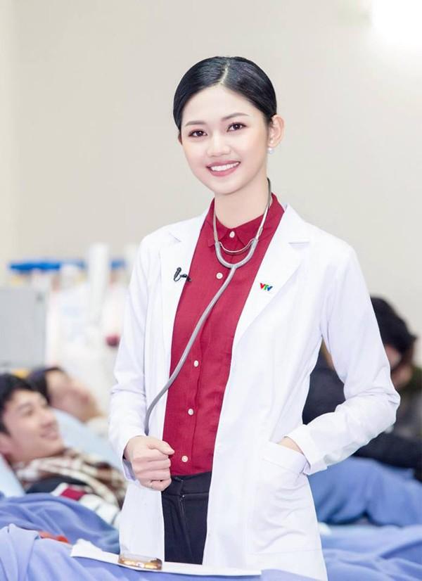 3 cô gái xinh đẹp của Top 3 Hoa hậu Việt Nam 2016 giờ ra sao? - Ảnh 9.