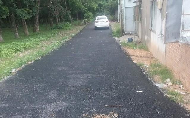 Người bỏ 200 triệu làm đường: Phá đường nhựa trả lại đường đất, tiền mất tật mang, tôi rất buồn - Ảnh 1.