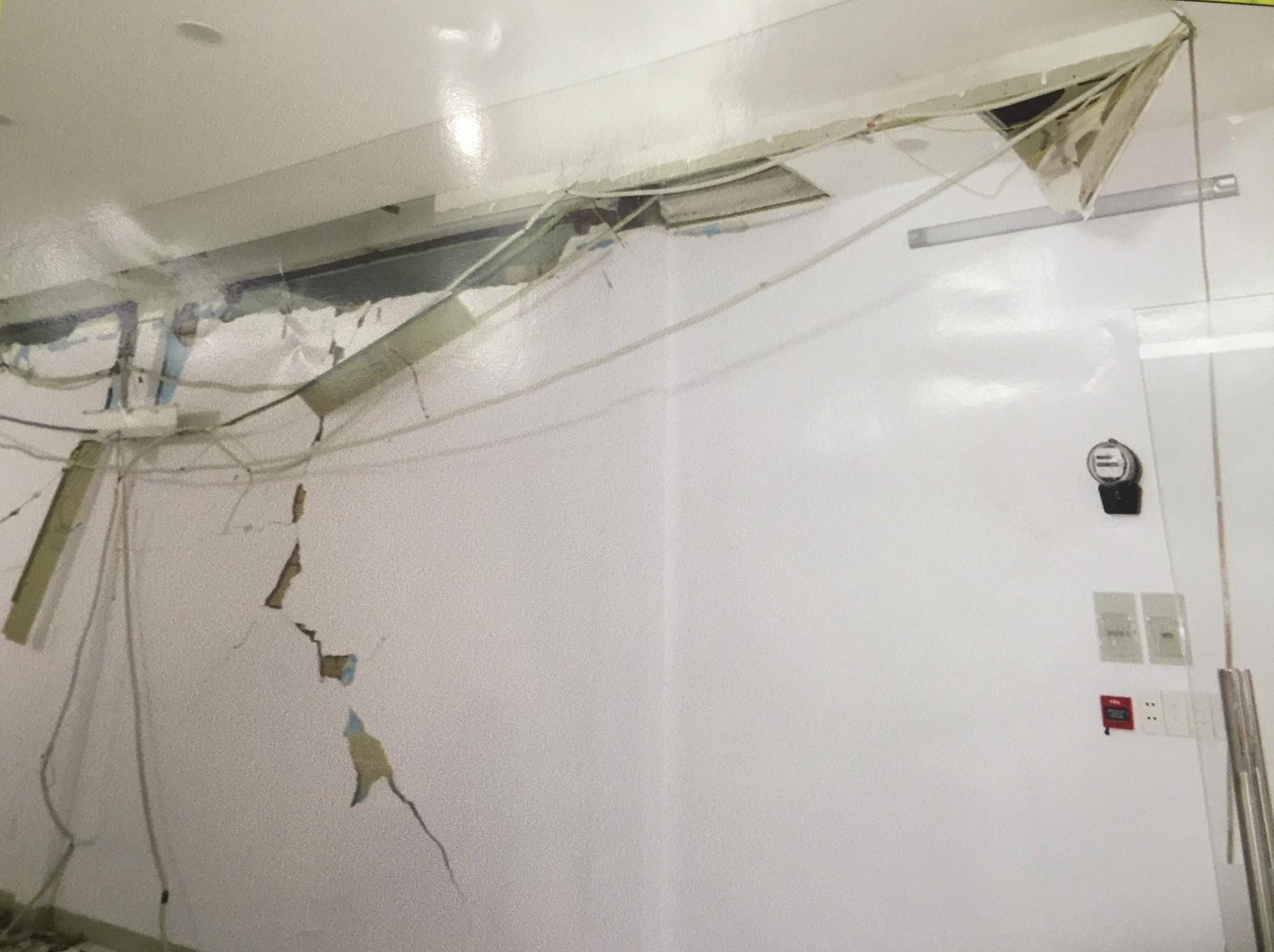 [ẢNH] 10kg thuốc nổ trong nhà của kẻ ném bom vào trụ sở công an phường - Ảnh 5.