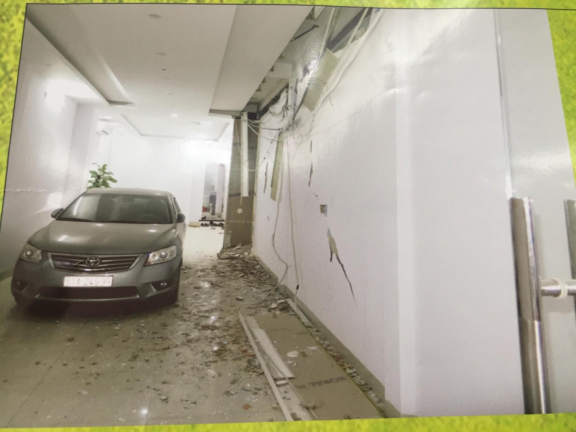 [ẢNH] 10kg thuốc nổ trong nhà của kẻ ném bom vào trụ sở công an phường - Ảnh 6.