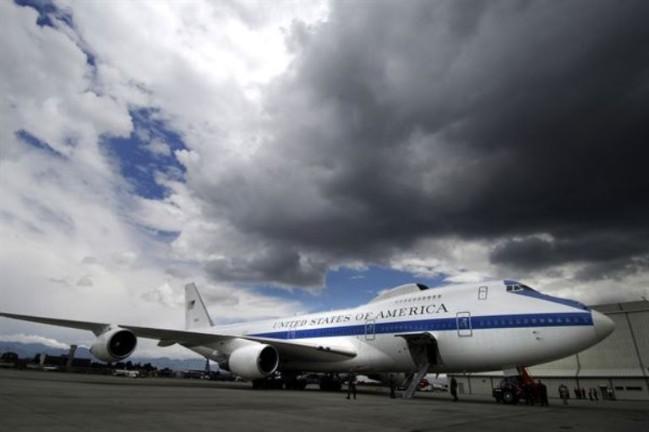 Chuyên cơ Bộ trưởng Quốc phòng Mỹ cảnh giác cao độ gián điệp Trung Quốc - Ảnh 1.