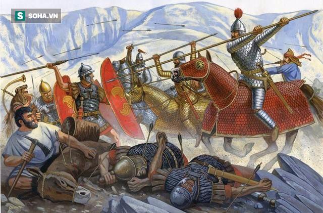 Giải mã sức mạnh về vũ khí đâm xuyên 2 chiến binh mặc giáp của kỵ binh Cataphract - Ảnh 2.