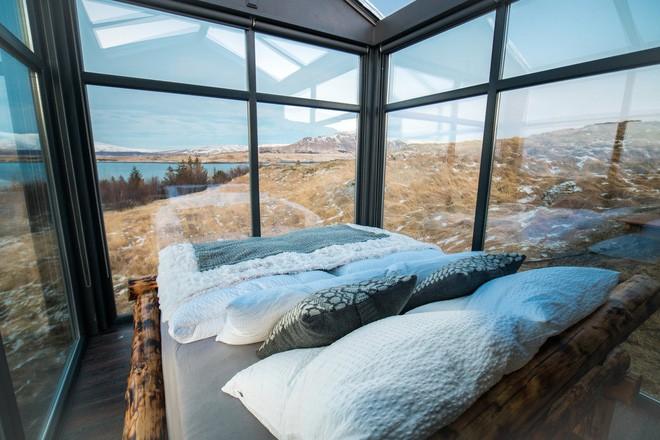 Ngôi nhà với 4 mặt kính ở giữa khung cảnh thiên nhiên tuyệt đẹp, mang đến cho bạn trải nghiệm vô cùng độc đáo và thú vị - Ảnh 7.