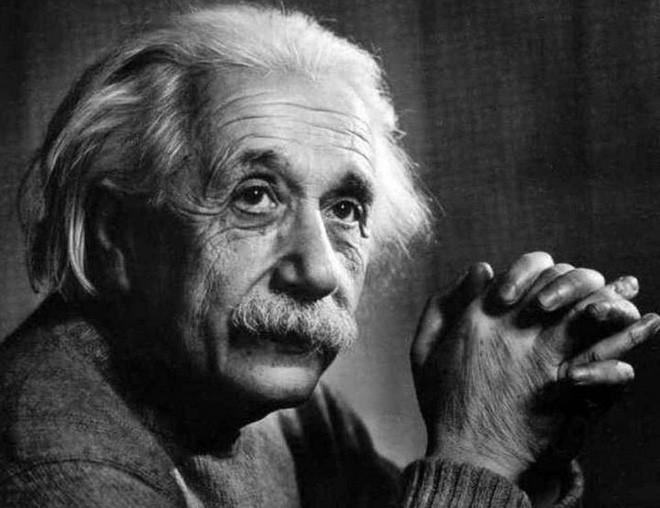 Sự thật thú vị: Những ý tưởng kiệt xuất của nhà vật lý thiên tài Albert Einstein xuất hiện trong lúc ông...rảnh rỗi nhất - Ảnh 2.