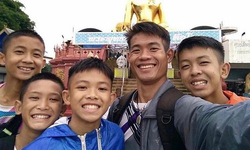 Thông tin ít biết về các cầu thủ tài năng, nghị lực của đội bóng Thái Lan bị mắc kẹt - Ảnh 5.