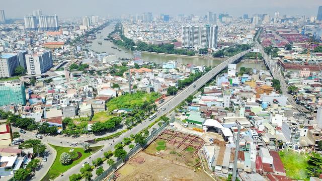 Cuộc chiến bất động sản cấp cao Nam Sài Gòn tăng nhiệt - Ảnh 2.