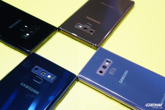 Ảnh thực tế Galaxy Note9 vừa mới ra mắt: Có những gì đỉnh hơn người tiền nhiệm Note8? - Ảnh 16.