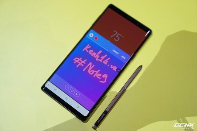 Ảnh thực tế Galaxy Note9 vừa mới ra mắt: Có những gì đỉnh hơn người tiền nhiệm Note8? - Ảnh 19.