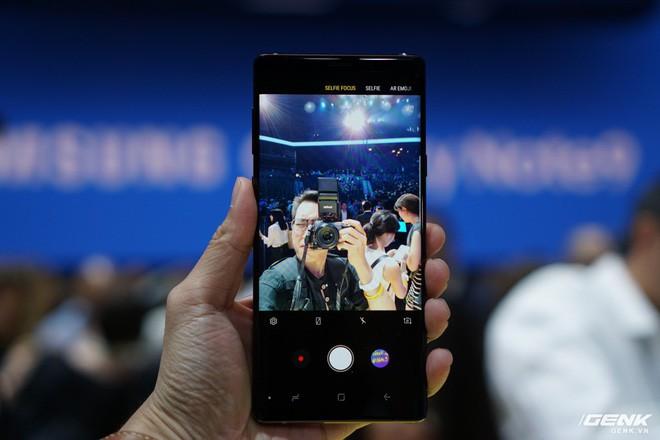 Ảnh thực tế Galaxy Note9 vừa mới ra mắt: Có những gì đỉnh hơn người tiền nhiệm Note8? - Ảnh 23.