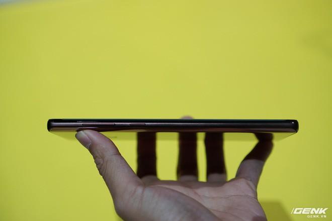 Ảnh thực tế Galaxy Note9 vừa mới ra mắt: Có những gì đỉnh hơn người tiền nhiệm Note8? - Ảnh 10.