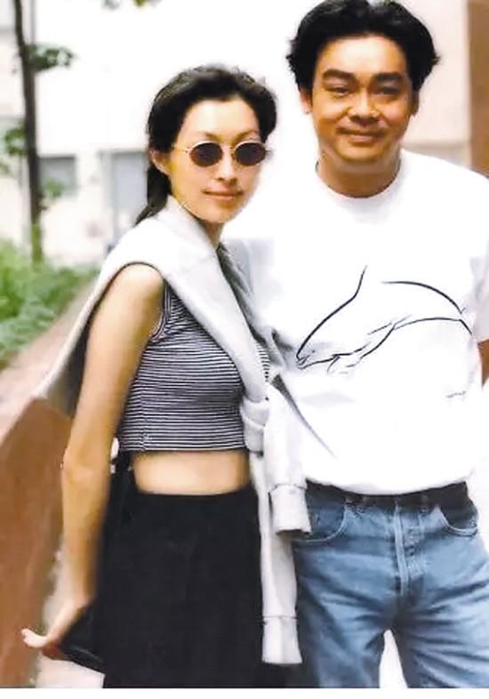 Quách Ái Minh: Hoa hậu xấu nhất Hồng Kông và cuộc hôn nhân 25 năm không con cái vẫn được chồng cưng chiều như nữ hoàng - Ảnh 9.
