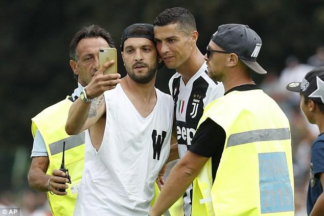 Ronaldo ghi bàn đầu cho Juve, mở lời ngôn tình khiến tifosi thêm lần tan chảy - Ảnh 8.