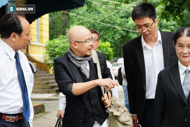 Ông Đặng Lê Nguyên Vũ khiếu nại việc bị quay lén trong phiên hòa giải vụ ly hôn nghìn tỷ - Ảnh 3.