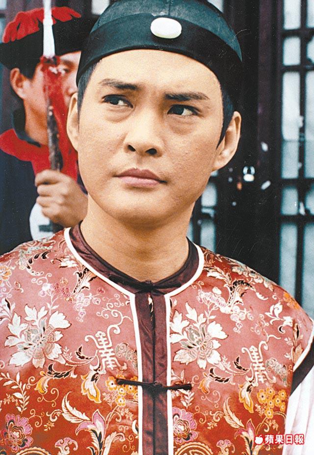 Từng nổi tiếng hơn Châu Nhuận Phát, sao võ hiệp đánh mất sự nghiệp vì đóng phim cấp ba - Ảnh 2.
