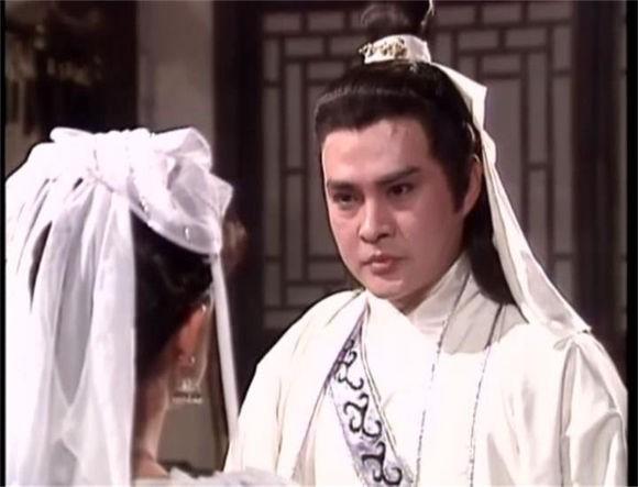 Từng nổi tiếng hơn Châu Nhuận Phát, sao võ hiệp đánh mất sự nghiệp vì đóng phim cấp ba - Ảnh 3.