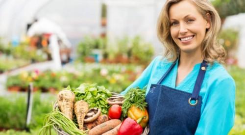 Ăn chay mang lại 8 lợi ích bất ngờ cho sức khỏe - Ảnh 1.
