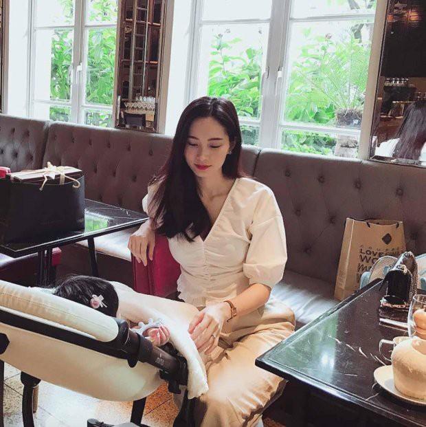 Chào đời 5 tháng, con gái được ông xã Đặng Thu Thảo gọi là sếp, tiết lộ ai cũng phải sợ bé - Ảnh 2.