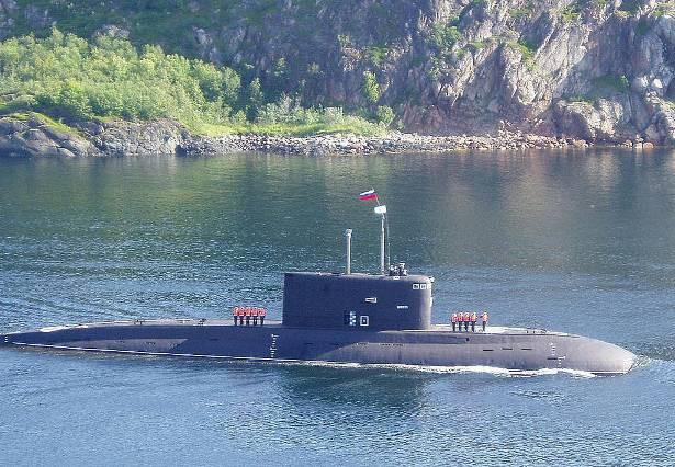 Nga khẩn trương cấp tín dụng trước nguy cơ vuột thương vụ tàu ngầm với Philippines? - Ảnh 1.