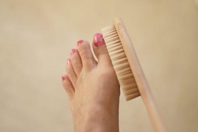 Ngâm chân trong giấm để chữa 4 bệnh hay gặp: Chỉ cần 15 phút/ngày, ai cũng nên làm - Ảnh 2.