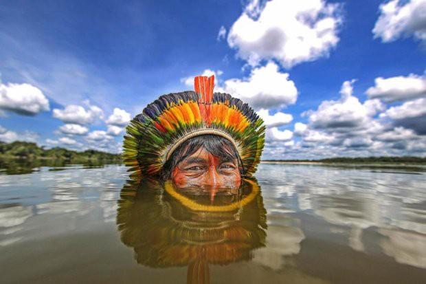 Những bức ảnh kinh ngạc về cuộc sống của thổ dân da đỏ bí ẩn ở Brazil - Ảnh 4.