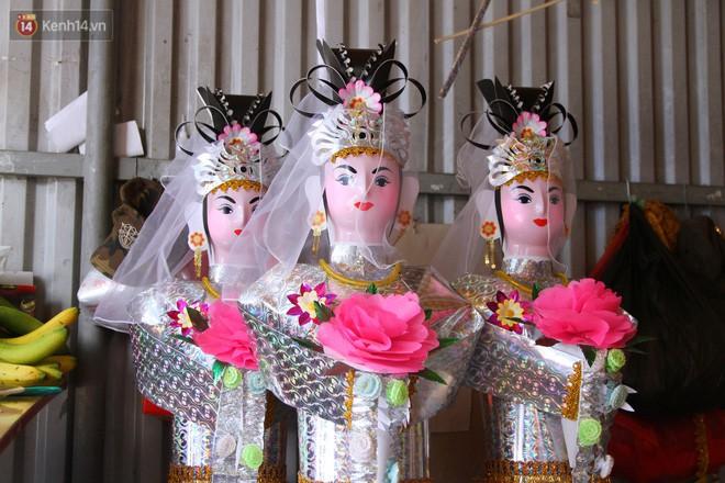 Thủ phủ vàng mã lớn nhất Hà Nội bán cô dâu, chú rể và cả osin cao cấp để đốt cho người cõi âm - Ảnh 6.