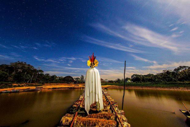 Những bức ảnh kinh ngạc về cuộc sống của thổ dân da đỏ bí ẩn ở Brazil - Ảnh 6.