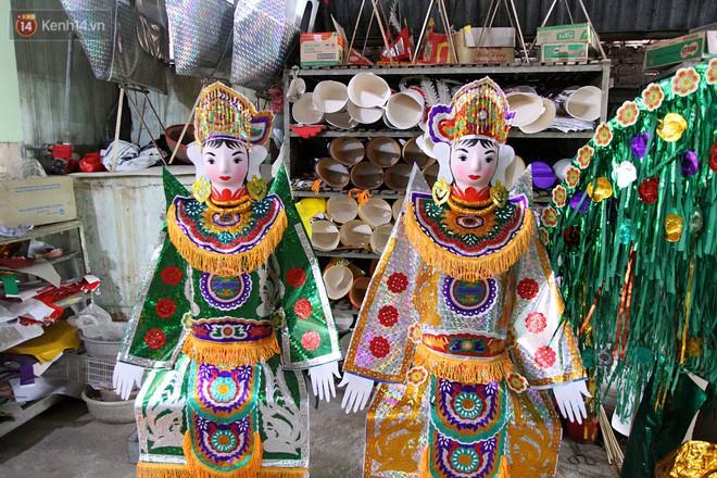Thủ phủ vàng mã lớn nhất Hà Nội bán cô dâu, chú rể và cả osin cao cấp để đốt cho người cõi âm - Ảnh 9.