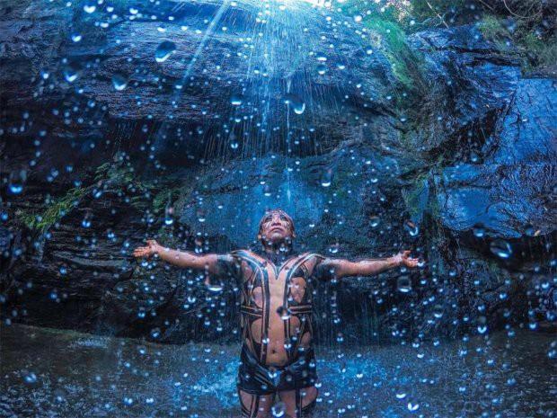 Những bức ảnh kinh ngạc về cuộc sống của thổ dân da đỏ bí ẩn ở Brazil - Ảnh 9.