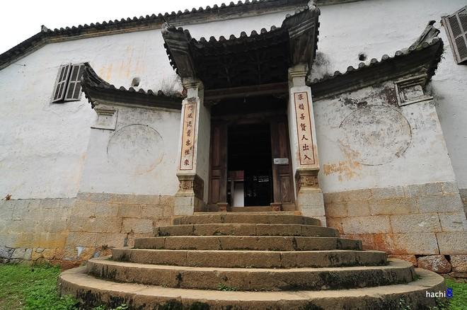 Cận cảnh dinh thự 150 tỷ đồng của họ Vương tại Hà Giang - Ảnh 2.