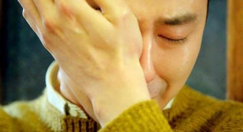 Vẫn chuyện nước mắt đàn ông... trên gối - Ảnh 2.