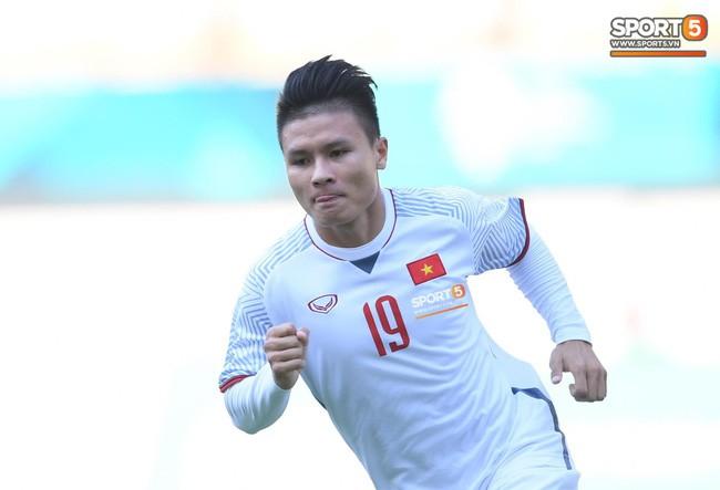 HLV Phạm Minh Đức: Hùng Dũng quá quan trọng với Olympic Việt Nam, rất khó để khỏa lấp vị trí - Ảnh 1.