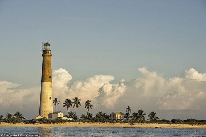 15 ngọn hải đăng đẹp nhất thế giới - Ảnh 13.