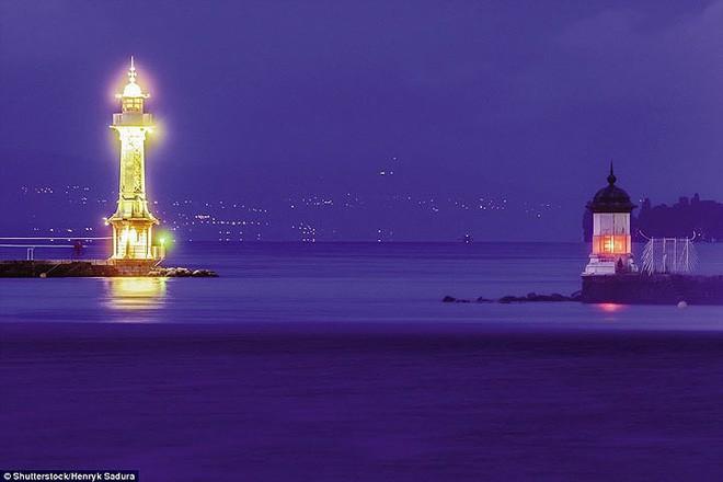 15 ngọn hải đăng đẹp nhất thế giới - Ảnh 7.