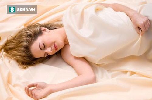 Ngủ không gối tốt hơn ngủ kê gối: Sửa sai lầm để luôn ngủ ngon mà không bị đau cổ, vai - Ảnh 1.