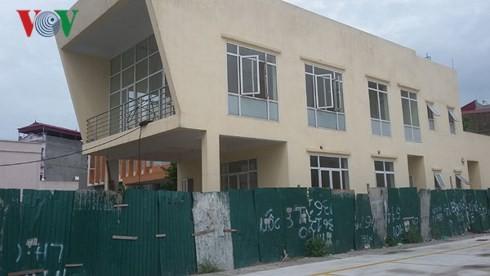Trạm y tế tiền tỷ bỏ hoang ở Hà Nội - Ảnh 2.