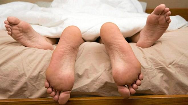 Chuyên gia chỉ cách: Tập cơ vùng sàn chậu để tốt cho việc ấy - Ảnh 1.