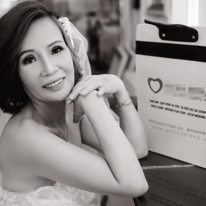 Cô dâu 62 ôm chặt chú rể 26 tuổi hạnh phúc trước thềm đám cưới: Tôi chuẩn bị là cô dâu trẻ và xinh đẹp nhất thế giới - Ảnh 3.