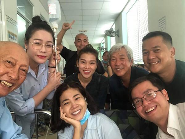 Cuộc gặp gỡ bất ngờ và xúc động giữa Mai Phương - nghệ sĩ Lê Bình  - Ảnh 3.