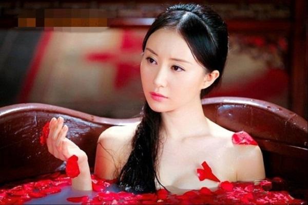 Giải mã những vật bất ly của các phi tần, mỹ nữ Trung Quốc và tiết lộ bí mật kinh khủng về thói quen sinh hoạt hàng ngày - Ảnh 4.