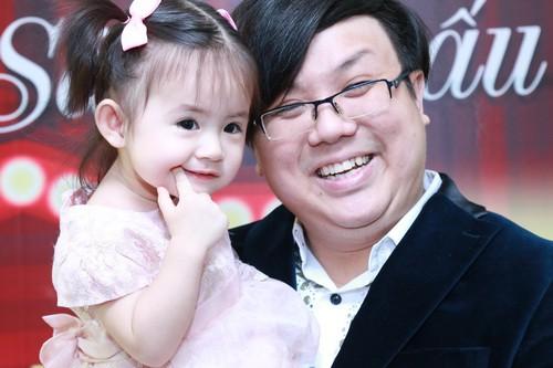 Đồng nghiệp báo tin mới biết con gái bị ngã gãy tay, diễn viên Gia Bảo bức xúc trách móc vợ cũ? - Ảnh 1.