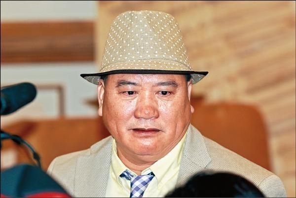Đại ca Châu Tinh Trì: U70 bị bệnh tật hành hạ, may mắn có vợ đẹp kém 16 tuổi yêu thương - Ảnh 11.